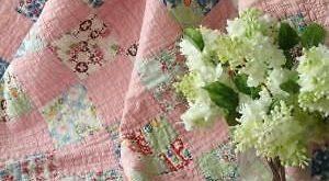 Beautiful Feedsack Prints! Vintage Large Crib QUILT 48x40 Sweet Cottage Home