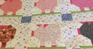 "Penny Pig Quilt/60"" square quilt/Farm Girl Vintage blocks/Lori Holt inspired qui..."