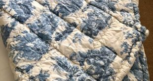 PAIR Of VINTAGE QUILTS Blue Toile de Jouy