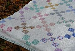 Single Irish Chain quilt all same fabrics in each block, this is what I want to ...